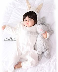 Beautiful Baby Pictures, Cute Baby Pictures, Beautiful Babies, Baby Photos, Beautiful Flowers, Pretty Kids, Pretty Baby, Cute Kids, Cute Little Baby Girl