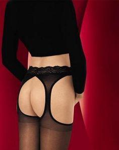 Misschien niet de meest makkelijke naam: Gioia, maar absoluut wel één van de meest makkelijke strippanty's en daarbij ook nog eens gezegend met een geweldig draagcomfort!    Deze 20 denier strippanty van SiSi heeft een kanten tailleband, die extra breed is en de stof zelf voelt zijdezacht aan op je benen.    Makkelijk, heerlijk zacht en voor een mooie prijs, is dit een juweeltje van een strippanty, die niet in jouw collectie mag ontbreken!