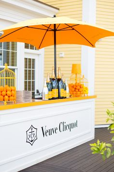 Ocean House Beach Polo Classic With Lilly Pulitzer – Lauren Nelson Veuve at the Ocean House Beach Polo Classic – Lauren Nelson Corporative Events, Veuve Cliquot, Pintura Exterior, Champagne Bar, Ocean House, Polo Classic, Store Design, Event Decor, Event Design