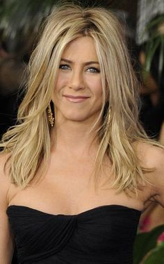 Jennifer Aniston Pictures, Jennifer Aniston Style, Jennifer Aniston Hair Color, Jennifer Garner, Jennifer Lawrence, Jeniffer Aniston, Medium Hair Styles, Long Hair Styles, Blonde Haircuts
