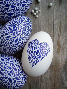 Velikonoční kraslice modrobílá Egg Decorating, Easter Eggs, Detail, Diy, Design, Heart, Mexican Colors, Eggs, Easter