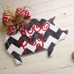 Woo pig! Go razorbacks...whimsical piggy door hanger available from Junque 2 Jewels for $35.
