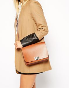 I loved my laptop bag so much, that I bought a little handbag from The Leather Satchel Company too.