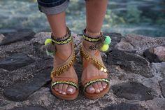 4240f732af66e 123 Best Pom Pom sandals images