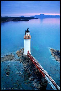 Eilean Bhan lighthouse at dusk - Kyleakin, Highland http://www.vacationrentalpeople.com/vacation-rentals.aspx/World/Europe/UK/Scotland/Highlands-and-Skye/