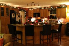christmas decoration kitchen islands | ... gallery kitchen accessories kitchen island christmas decorating ideas
