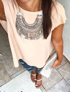 Simple outfit with necklace as the focal point and a little hint of shine in accessories. Mystery Ancient Coins Bib Necklace 29,90 € #happinessbtq