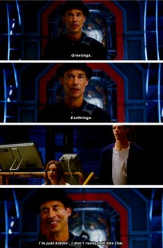"""Greetings. Earthlings. I'm just kiddin', I don't really talk like that"" - New Wells, Caitlin and Barry #TheFlash"