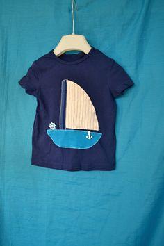 Námořnické+recy+tričko+s+lodí+vel.+92+Velikost+odpovídá,+jako+nové,+měli+jsme+oblečené+asi+2x...+Teď+má+novou+aplikaci+:+D+Pod+stromeček,+na+focení,+jako+dáreček?+:D+Délka+od+ramen+36+cm,+v+podpaží+šířka+2*28+cm.