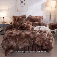 Room Ideas Bedroom, Home Decor Bedroom, Faux Fur Bedding, Fur Comforter, Fluffy Bedding, Bed Comforter Sets, Dorm Room Bedding, College Bedding, Goth Home Decor
