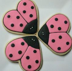 Here's another cookie idea....but I would like them in red instead of pink!