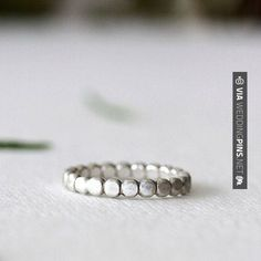 Sweet! - Imagenes de Anillos de Boda banda guijarro en plata esterlina, anillo de orgánico, respetuoso del medio ambiente, anillo de bodas, reciclado de metal, hecha a mano | CHECK OUT SOME COOL PICS OF TASTY Imagenes de Anillos de Boda AT WEDDINGPINS.NET | #ImagenesdeAnillosdeBoda #Anillos #weddingrings #rings #engagementrings #boda #weddings #weddinginvitations #vows #tradition #nontraditional #events #forweddings #iloveweddings #romance #beauty #planners #fashion #wedding