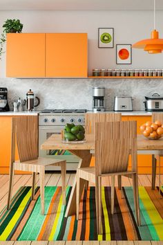 How to decorate the kitchen wall? One of the beneficial we can do is applying kitchen wallpaper. With this article will give some kitchen wallpaper ideas. Orange Kitchen Inspiration, Orange Kitchen Designs, Orange Kitchen Decor, Orange Home Decor, Kitchen Colors, Home Decor Kitchen, Kitchen Ideas, Orange Interior, Home Interior