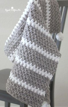 Quick and Easy Bernat Moss Stitch Baby Blanket - Repeat Crafter Me # chunky crochet baby blanket Quick and Easy Bernat Moss Stitch Baby Blanket - Repeat Crafter Me Crochet Afghans, Crochet Baby Blanket Free Pattern, Crochet For Beginners Blanket, Afghan Crochet Patterns, Knitting Patterns, Crochet Blankets, Quick Crochet Blanket, Baby Afghans, Bernat Blanket Patterns