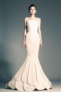 awesomeweddingdresses:  http://www.flip-zone.net/fashion/couture-1/independant-designers/jean-louis-sabaji-4080