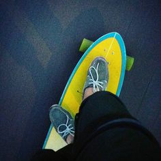 Boat shoes and longboard? It is good choice!