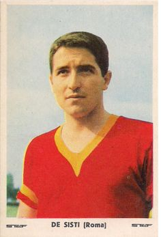 Giancarlo De Sisti A creative and technically gifted deep-lying playmaking midfielder, who is regarded as one of Italy's and Roma's greatest ever playmakers, De Sisti was known for his simple yet efficient style of play; this involved him constantly looking for spaces, playing many short and accurate passes on the ground, and taking very few touches of the ball, in order to retain possession, reduce the chance of errors, and set his team's temp