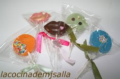 La cocina de MJ Salla: PASTEL DE CHOCOLATE CON PIRULETAS DE CHOCOLATE