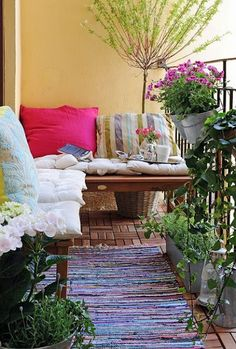 Outdoor reading nook ... I would love this.