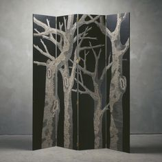 Zoe Ouvrier, Screen Nilufar (front), Oil, acrylic and scuplture