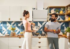 Vario Homes The Energizer Couple project concept is especially for newly married couple who share a love for good food and wine and love having friends over. Apartments For Sale, Luxury Apartments, Newly Married, House Party, Couples, Wine Recipes, Homes, Concept, Friends