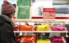 Als we met ons allen spotgoedkope kleren blijven kopen, dan betalen we daar op termijn alsnog een hoge prijs voor. Dat wil het filmpje van het Amerikaanse ...