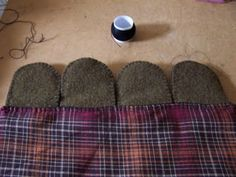 Cath's Pennies Designs: How to Attach Those Penny Rug Tongues