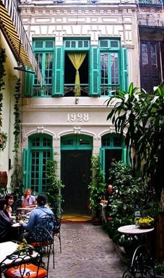 A touch of Paris in Hanoi, Vietnam - Photo © Ian Fegent - Hanoi has some magnificent large old colonial buildings as a legacy of French rule. There are also small touches around the city. This restaurant in old Hanoi could easily have been in a courtyard Hanoi Vietnam, Vietnam Travel, The Places Youll Go, Places To See, Angkor Vat, Vietnam Voyage, French Cafe, French Bistro, French Food