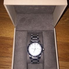 Authentic Burberry women's watch Worn a few time ,amazing condition . Comes with watch box and the extra links . I had to take 3 off because my wrists are pretty small. Sad to part with it but I received a rolex for Christmas . I will take offers. I just went down 200$ not going down anymore. Tiny barely noticeable scratches but as you see from the photos you can't tell.. Or will trade for other watch no Michael kors Burberry Jewelry Bracelets
