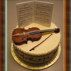 This chic cake that's also a reminder for violinists to practice. | 16 Adorable Cakes All Music Lovers Will Appreciate