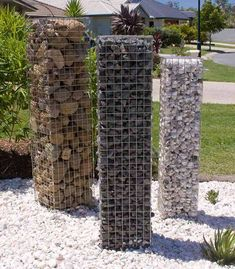 Unique Gabion Wall Garden design - Decorate Your Home Gabion Retaining Wall, Landscaping Retaining Walls, Backyard Fences, Backyard Landscaping, Yard Fencing, Pool Fence, Fence Gate, Fence Design, Garden Design