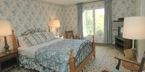 Room 108, The Lodge  www.appletree-inn.com  Directly across from #Tanglewood and #Kripalu in the #Berkshires.