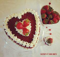 red valentine cake,è semplicemente la classica red velvet cake,realizzata a forma di cuore per festeggiare il giorno di San Valentino.