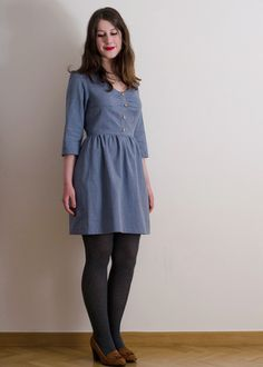 Sureau dress from Deer and Doe. Love the bodice on this but the sleeves seem too big on her!