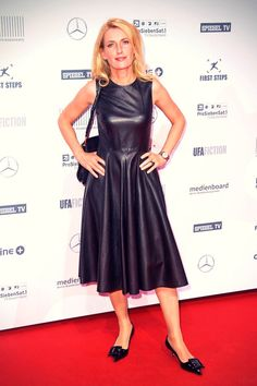 TV actress Maria Furtwaengler looked elegant in an all black ensemble as she attended the First Steps Awards 2015 at Stage Theater in Berlin,…