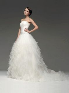 Ball Gown Strapless Sweep Train Organza Wedding Dress With Tired