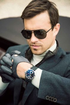 A series where we post the best content from Inspire and Linxspiration. You can check out the previous episode here – Random Inspiration Leather Driving Gloves, Leather Gloves, Leather Men, Dapper Gentleman, Gentleman Style, Sharp Dressed Man, Well Dressed Men, Style Blog, Men's Style