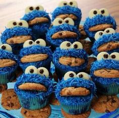 Cookie Monster mini cakes