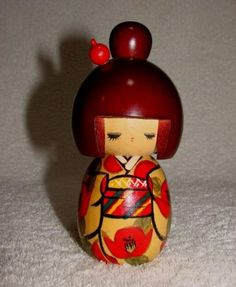 Sousaku Kokeshi little girl  #kokeshi  #dukker #japan #japanske_dukker Til salg / for sale at   mariannepetersen.wix.com/kokeshi