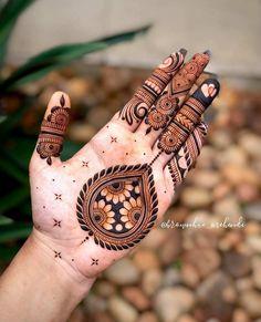 Palm Mehndi Design, Peacock Mehndi Designs, Pretty Henna Designs, Latest Bridal Mehndi Designs, Henna Art Designs, Modern Mehndi Designs, Mehndi Design Photos, Wedding Mehndi Designs, Mehndi Designs For Fingers