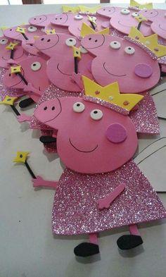Pepa Schwein – Pepa pig Related posts: Pepa Schwein Peppa Pig Party How to make fondant Peppa Pig and George in firefighters uniform How To Tutorial… Schwein-Kuchen…. 3rd Birthday Parties, Birthday Party Decorations, 2nd Birthday, Birthday Celebration, Peppa Pig Wallpaper, Cumple Peppa Pig, Peppa Pig Birthday Cake, Peppa Pig Family, Pig Crafts