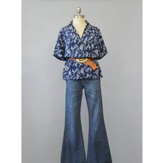Vintage Silk Blouse 1990s Shirt Navy Blue Floral Blouse Short Sleeve Button Up Hipster Shirt Boxy Oversize Blouse 90s Blouse Silk Shirt  #vintageclothing #vintagefashion #summerstyle #blouses #shirts #90sclothing #90sfashion #90snormcore