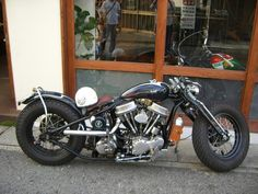Japanese style Harley Davidson chopper, from Zero Engineering http://media-cache2.pinterest.com/upload/10555380346138295_qLD1paOk_f.jpg juanitom cars and motorcycles