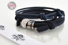 www.andreatraub.com *Armband-Kombination in dunkelblau*  Zwei einzelne Armbänder, die natürlich perfekt zusammen passen, aber auch selbstverständlich einzeln getrage...