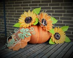 Helle's gorgeous version of our pumpkin and sunflowers from the new Harvest Sunset SVG Kit Sunflower Crafts, Paper Sunflowers, 3d Paper Crafts, Paper Crafting, Neat And Tangled, Scrapbook Borders, Cricut Cuttlebug, Chalk Ink, Paper Pumpkin