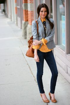 Rachel from Pink Peonies in J Brand jeans Spring Summer Fashion, Autumn Winter Fashion, Look Blazer, Gray Blazer, Blazer Jacket, Look Office, Office Style, Business Casual Outfits, Fashion Outfits