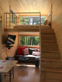24 Best Tiny House Interior Design Ideas You Must Have - How to Decide on Your Tiny House Insurance Tiny House Loft, Best Tiny House, Modern Tiny House, Small House Design, Tiny House Living, Tiny House Plans, Simple Home Design, Tiny House Bedroom, Tiny House Builders