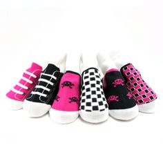 Keep your babies feet warm in style this winter with these sneaker & rocker socks