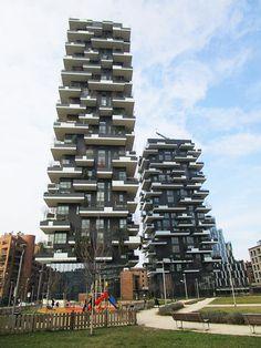 まるで「垂直の森」!?イタリア・ミラノに植物との共生を目指すタワーマンションが誕生   世界のマンション事情   マンション・ラボ