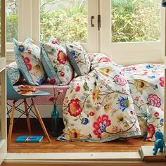 Discover the Pip Studio Floral Fantasy Duvet Set Ecru - Single at Amara